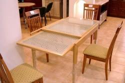 Обеденный стол-трансформер.
