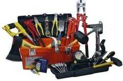 Инструменты и материалы, необходимые для создания встроенной кухни своими руками