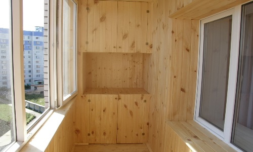 Шкаф из вагонки на балкон