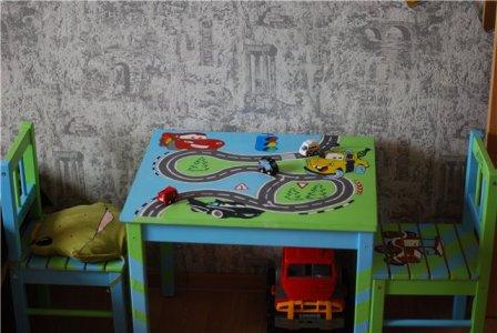 Как раскрасить детский столик своими руками 76