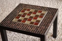 Декор столика мозаикой