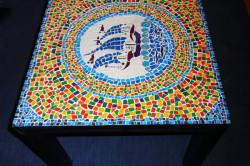 Оформление столика мозаикой