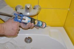 Заделка стыков в ванной