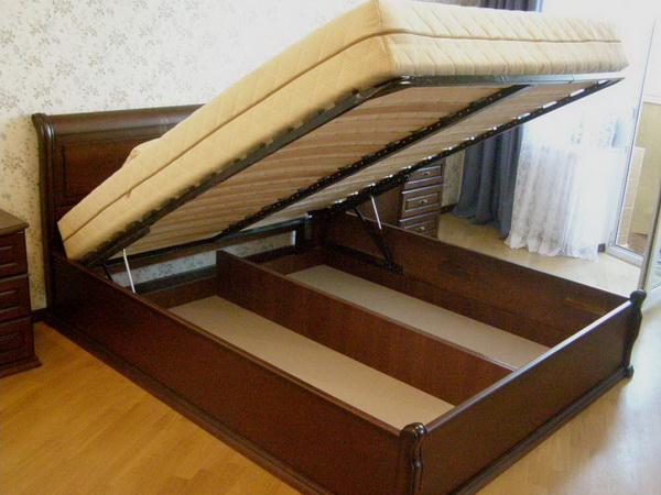 Кровать с подъёмником