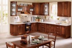 Кухня из деревянного массива