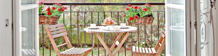 Мебель для балкона своими руками: диванчик, пуфики, столик.