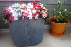 Пуфик декорированный джинсовой тканью