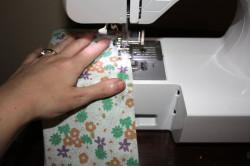 Процесс шитья бортиков для кроватки