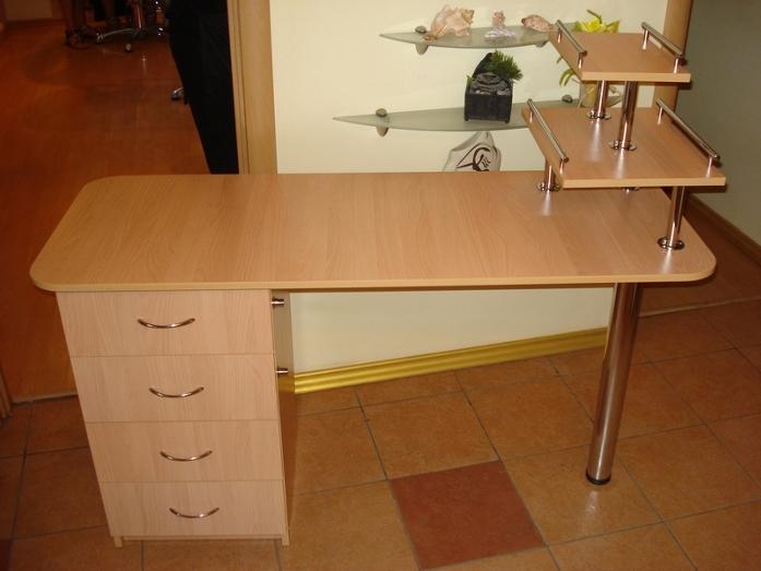 Маникюрный стол своими руками