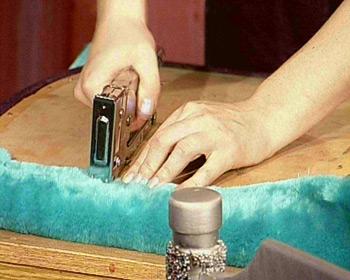 Перетянуть мебель своими руками