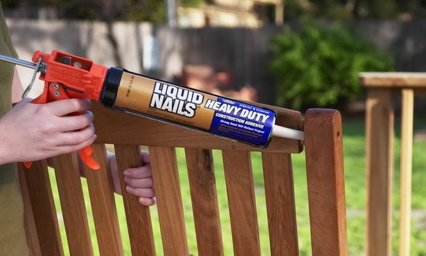 Применение жидких гвоздей для склеивания деревянной конструкции