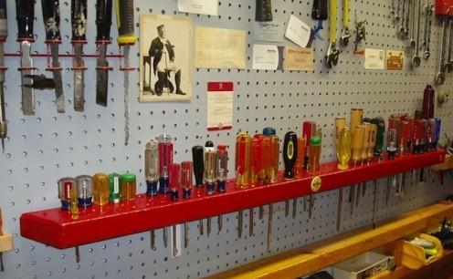 Инструменты в гараже