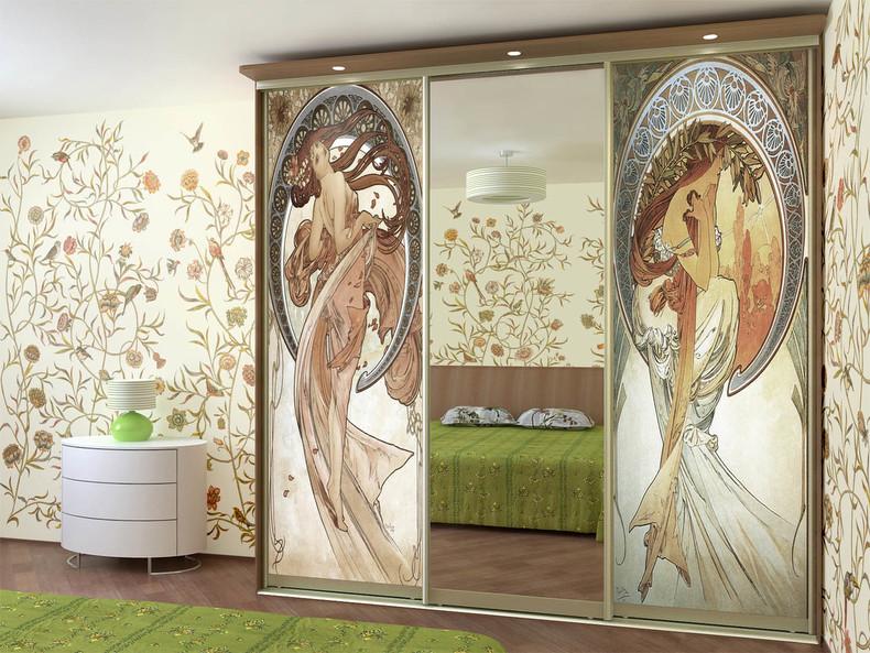 Пример декорирования фреской шкафа-купе