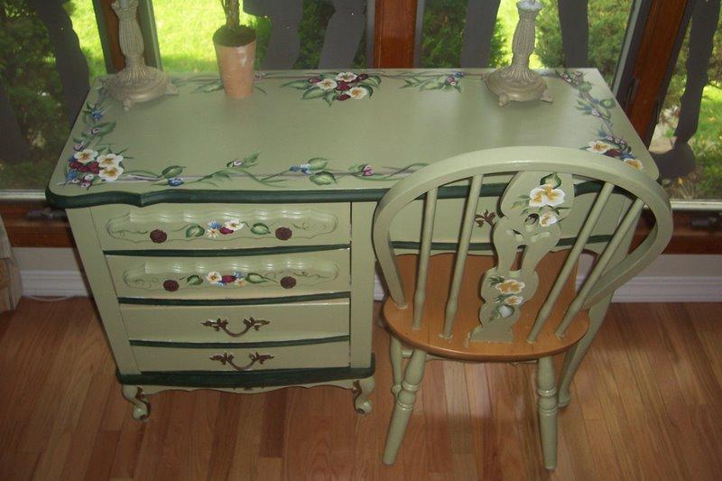 Новая жизнь старого стола своими руками