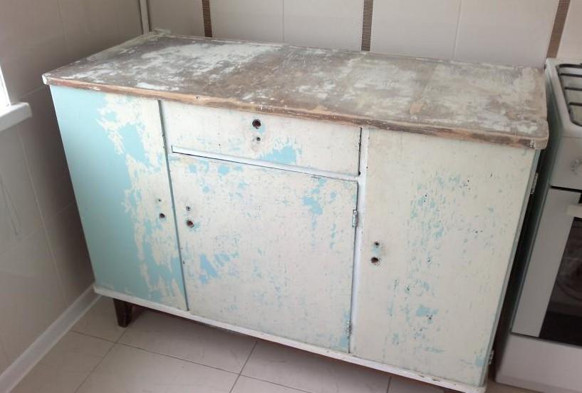 Старый кухонный стол