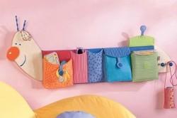 Полочка с кармашками в детской