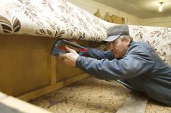 Оббивка дивана тканью