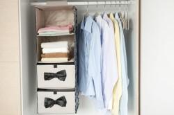Подвесная полка из ткани в шкафу