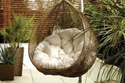 Плетеное подвесное кресло с подушкой