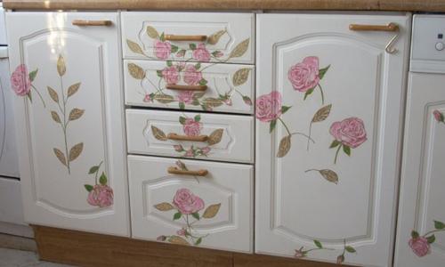 Dekupazh-mebeli Декупаж старого шкафа своими руками фото: кухонный мастер-класс, как сделать оформление двери шкафчика